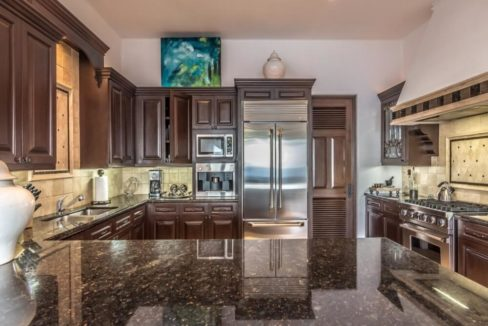 cabo-fractional-home-kitchen