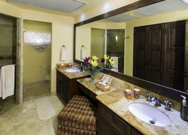 Bedroom3Bathroom