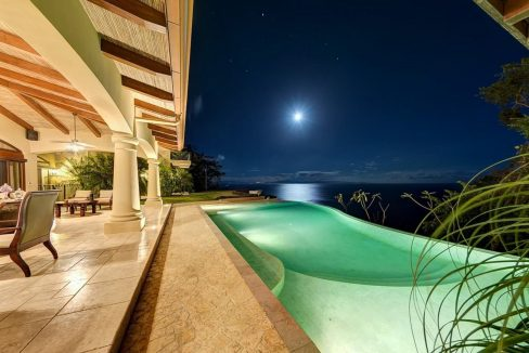 Villa-Paraiso-Pool-Night-View